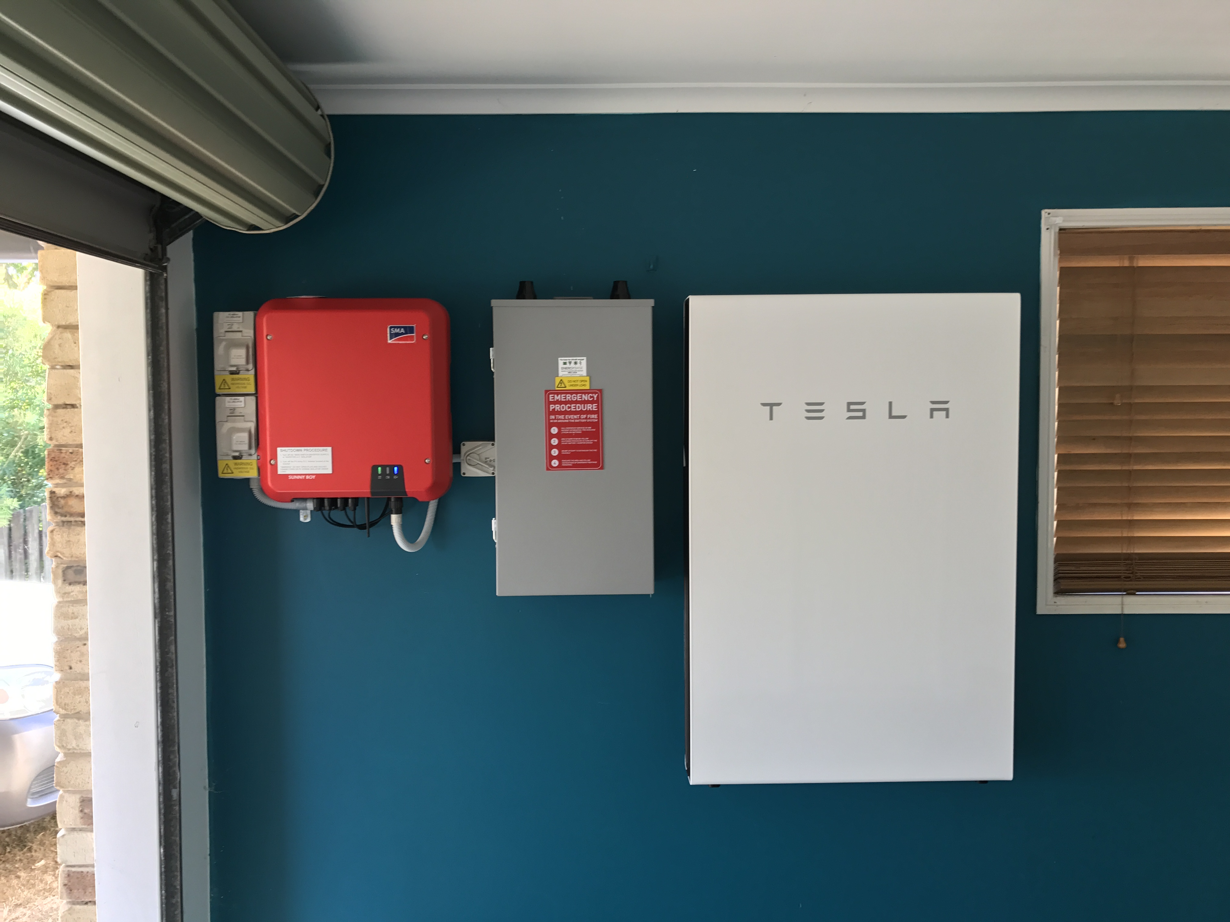 Hybrid Solar Tesla Powerwall Energy Base Solar Power